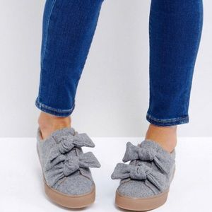 NWOT ASOS Womens Gray Ditzy Bow Trainers Sz US 11